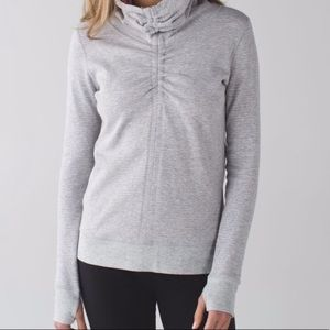 Lululemon In A Cinch Reversible long sleeve - 4
